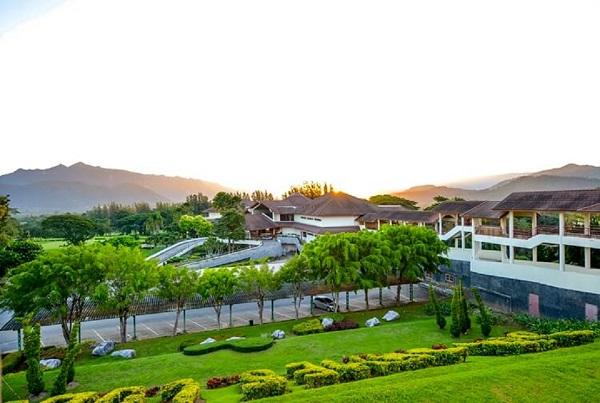 Sir James Resort & Country Club